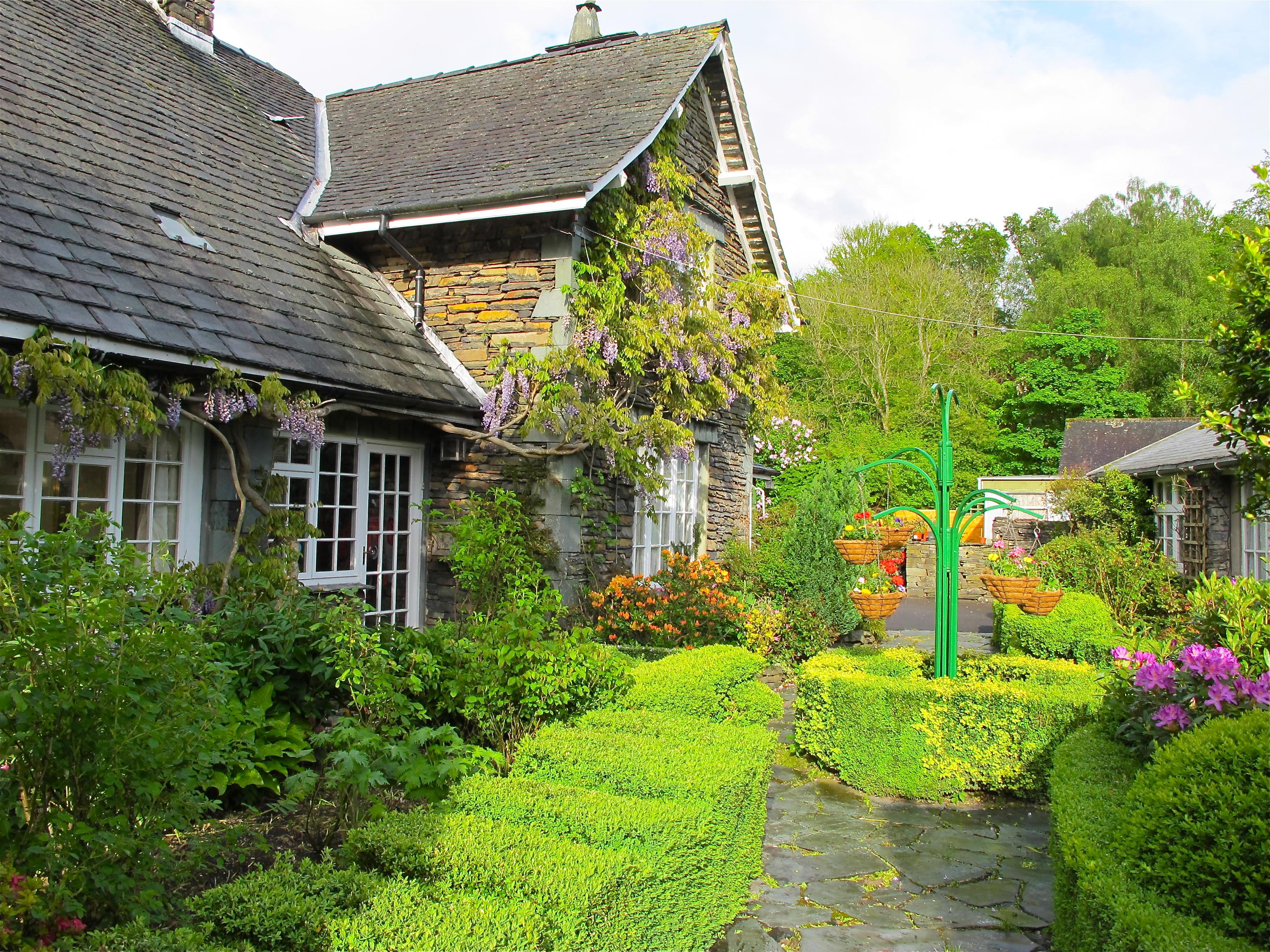 English country garden photos Cached