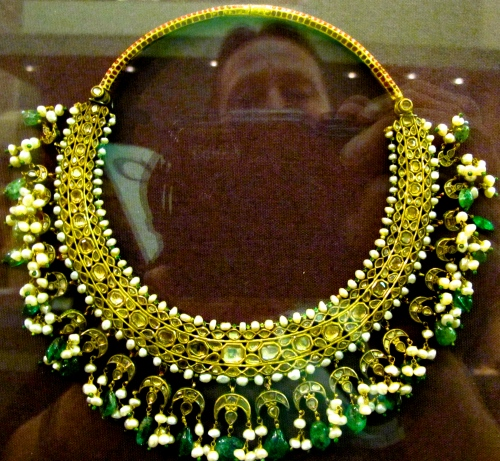 Necklace of jade, pearls, and gold