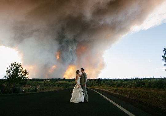 two bulls fire fire in deschutes national forest wedding