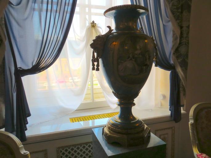 Hermitage Window Vase
