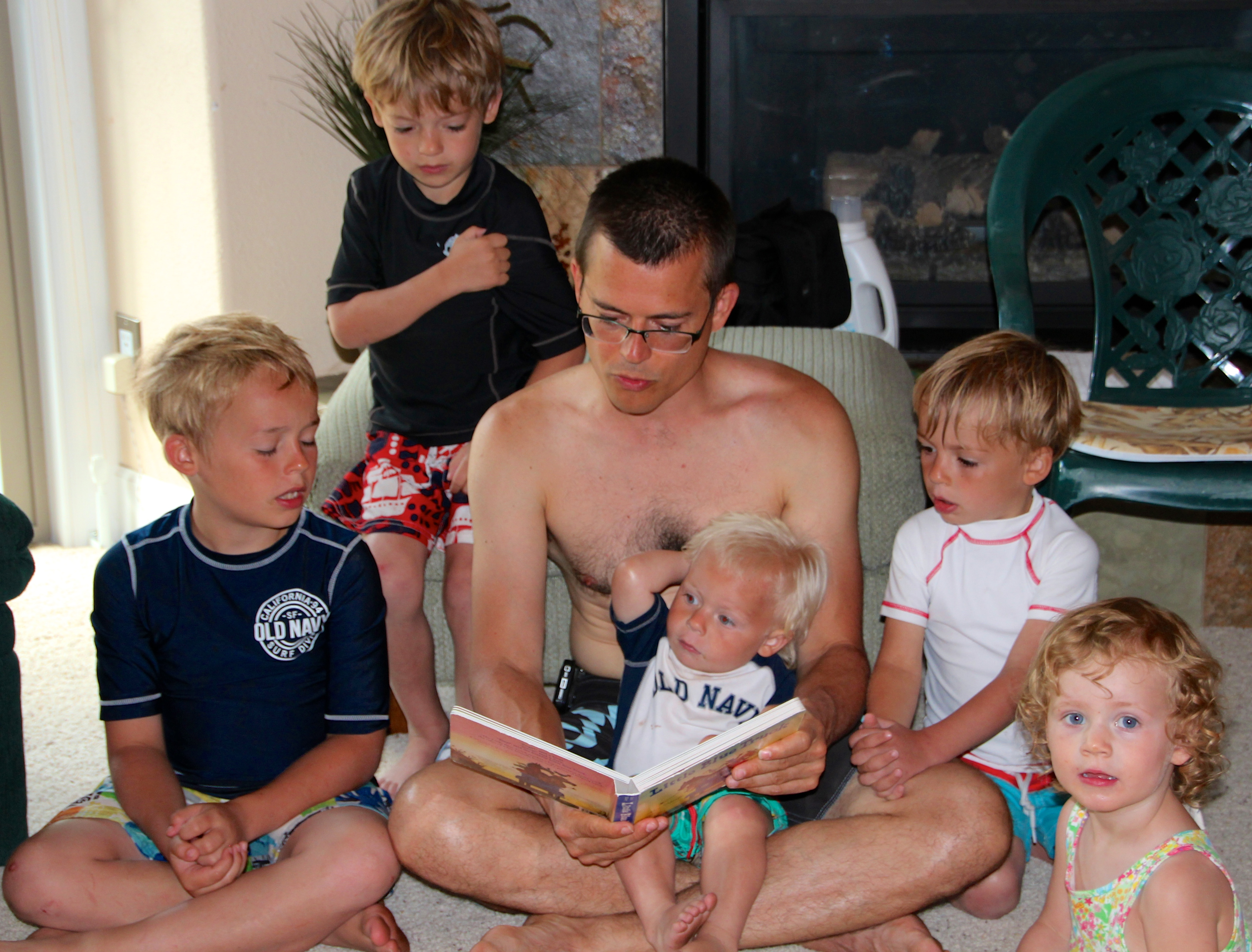 Aaron reading to kids