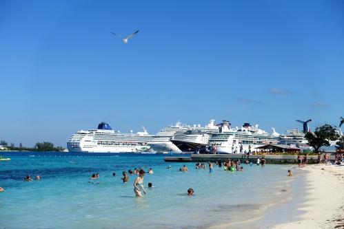 Cruise Ships in Nassau