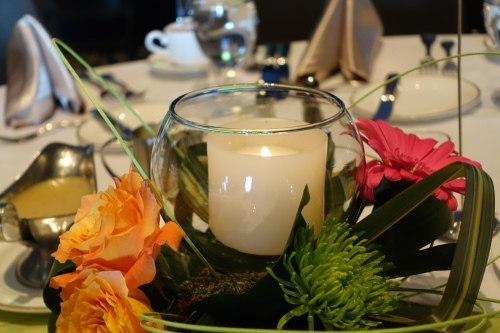 Centerpiece with roses and Candle