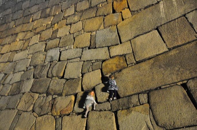 Scaling Osaka Castle