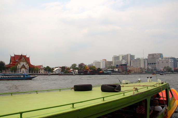 Chao Phraya River. Boarding