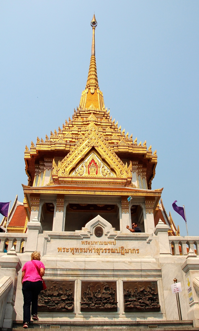 The Temple of the Golden Buddha 8