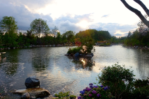 Sun setting over Meijer Japanese Tea Garden