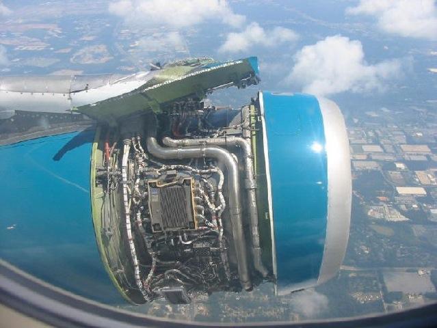 Airplane crashes 4