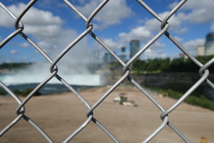 Fence blocking view of Horseshoe Falls 2015