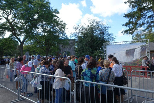 Lines for attractions at Niagara Falls State Park