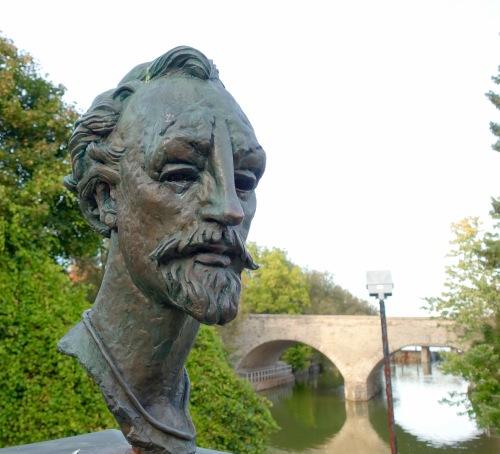 Bust of Shakespeare along Avon River