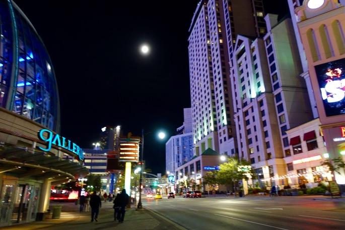 Night Scenes at Niagara Falls 3