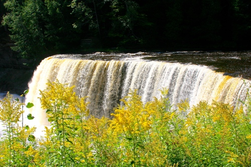 Upper Falls Tahquamenon River 2