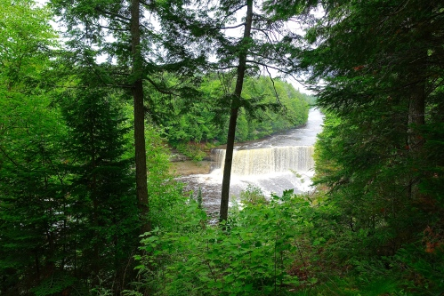 Upper Falls Tahquamenon River 4