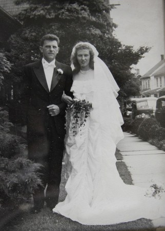 Maj.-Claude-and-Ruth-Hensinger-on-their-wedding-day-in-1947.-Photo-via-South-Whitehall-Patch.