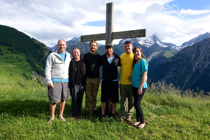 The Old Rugged Cross above Des 2 Alpes