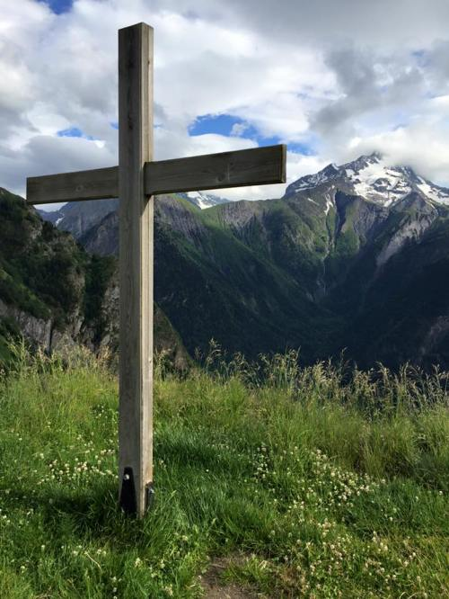 The Old Rugged Cross (French Alps)