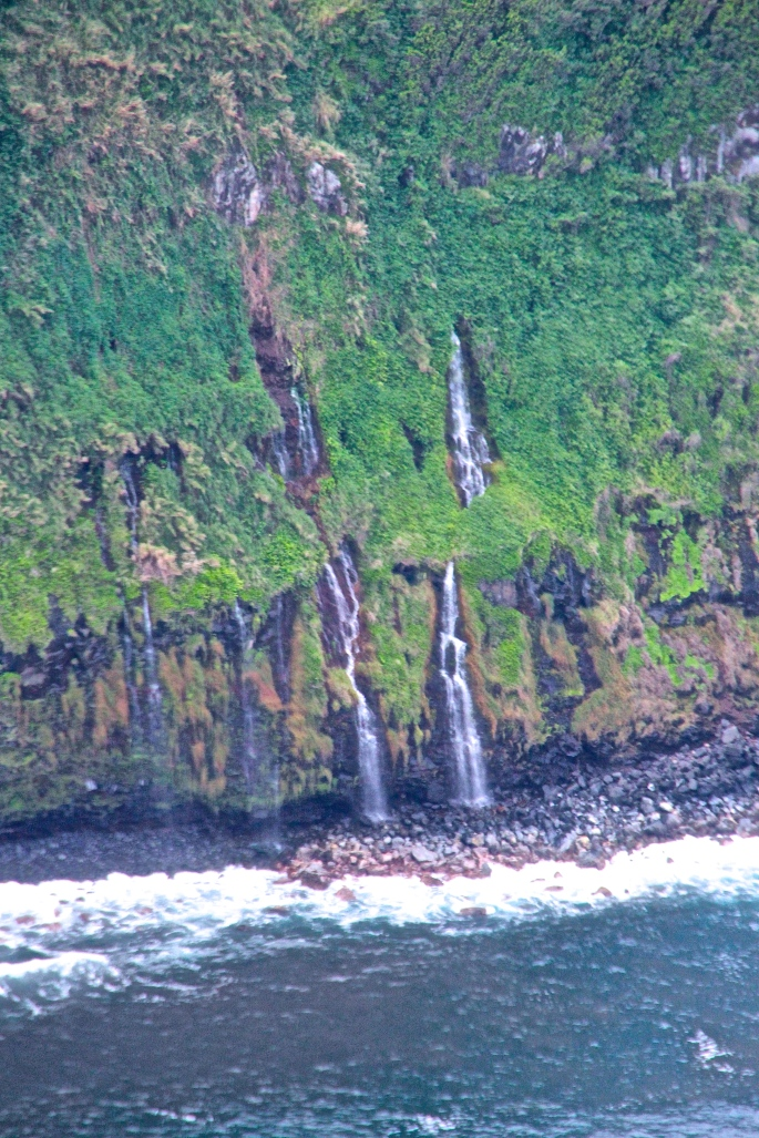 4 Waterfalls off Coast of Big Island Hawaii