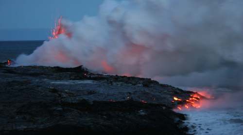 Lava_entering_sea_-_Hawaii. by Jennifer Williams Wikipng