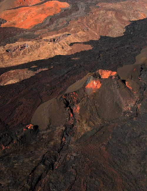 Mauna_Loa_from_the_air by Brocken Inaglory. Wiki 2009