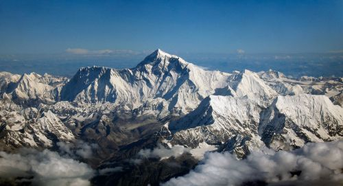Mount_Everest_as_seen_from_Drukair2.jpg licensed with Cc-by-sa-2.0 :Wiki
