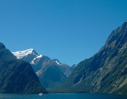 New Zealand Fjord Naitonal Park