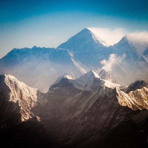 Nuptse, Mt. Everest and Lhotse in the early morning by Ralf Kayser. Wiki