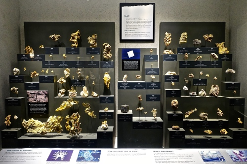 Gold specimens. National Natural History Museum. Washington D.C.
