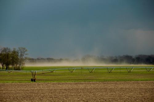 High winds sweep across farmland