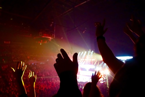 Hillsong Outcry Lifting Hands to God