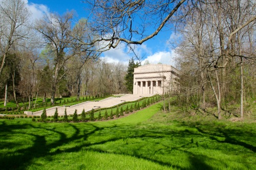 Memorial at Abraham Lincoln Birthplace National Historical Park 1
