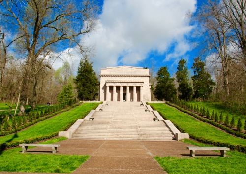 Steps Leading to Memorial ai Abraham Lincoln Birthplace National Historical Park