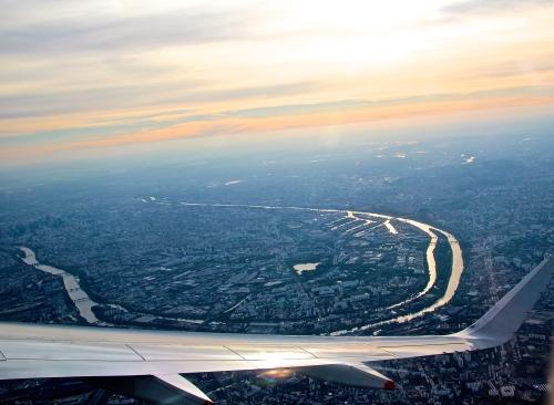 37 Bridges along River Seine in Paris