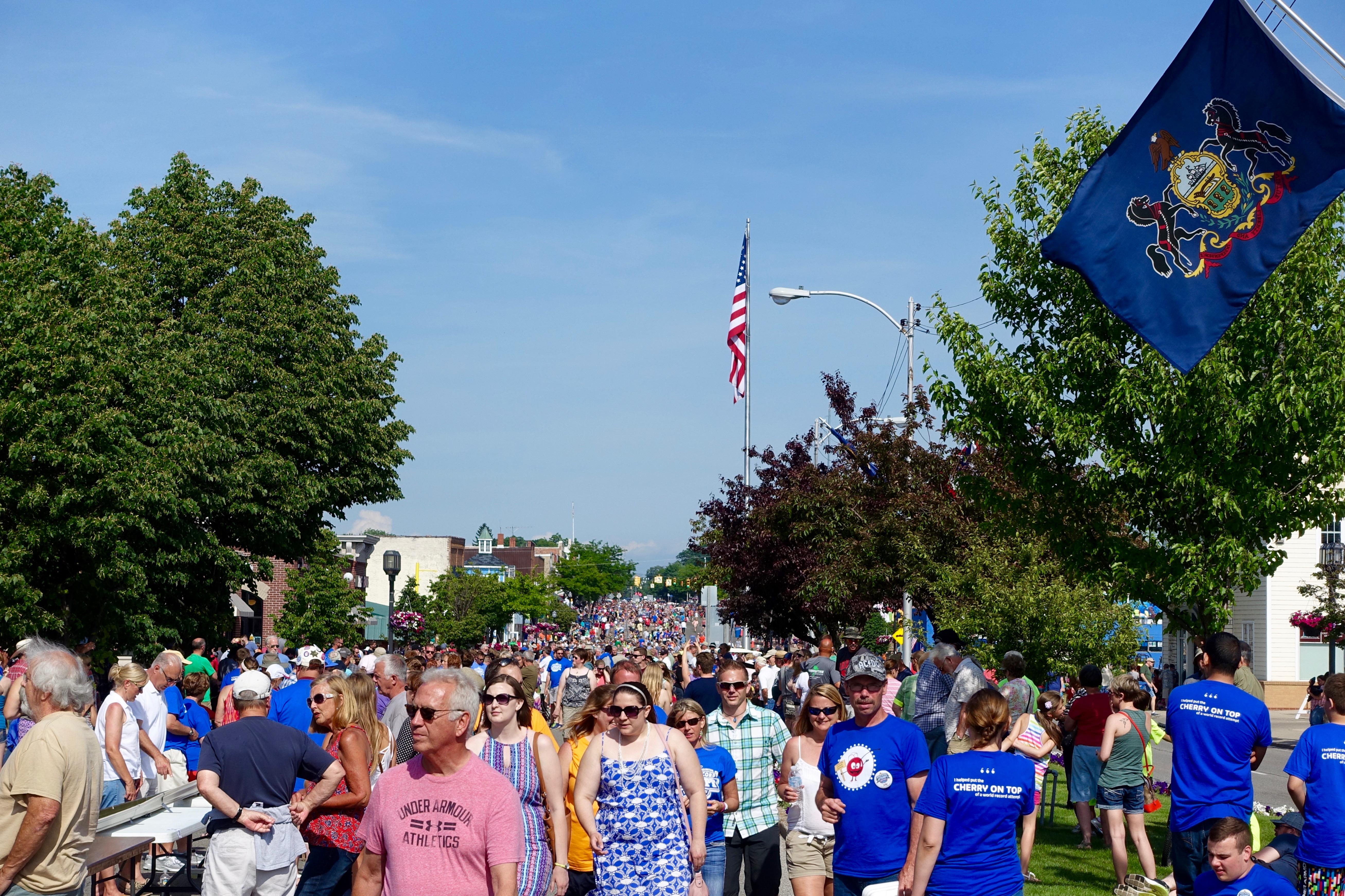 6,000+ participants at Ludington's World's Largest Sundae Attempt