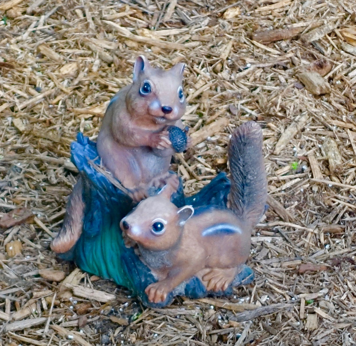 Chipmunks. Ceramic statues