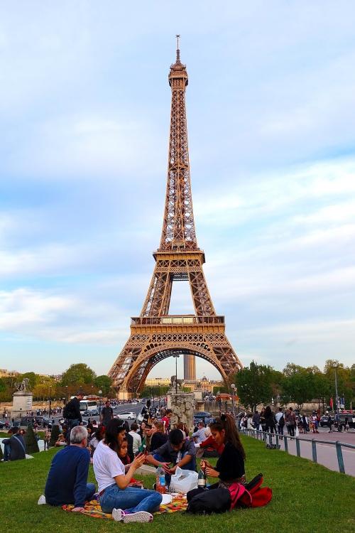 Eiffel Tower as seen from Jardins du Trocadéro. Picnickers