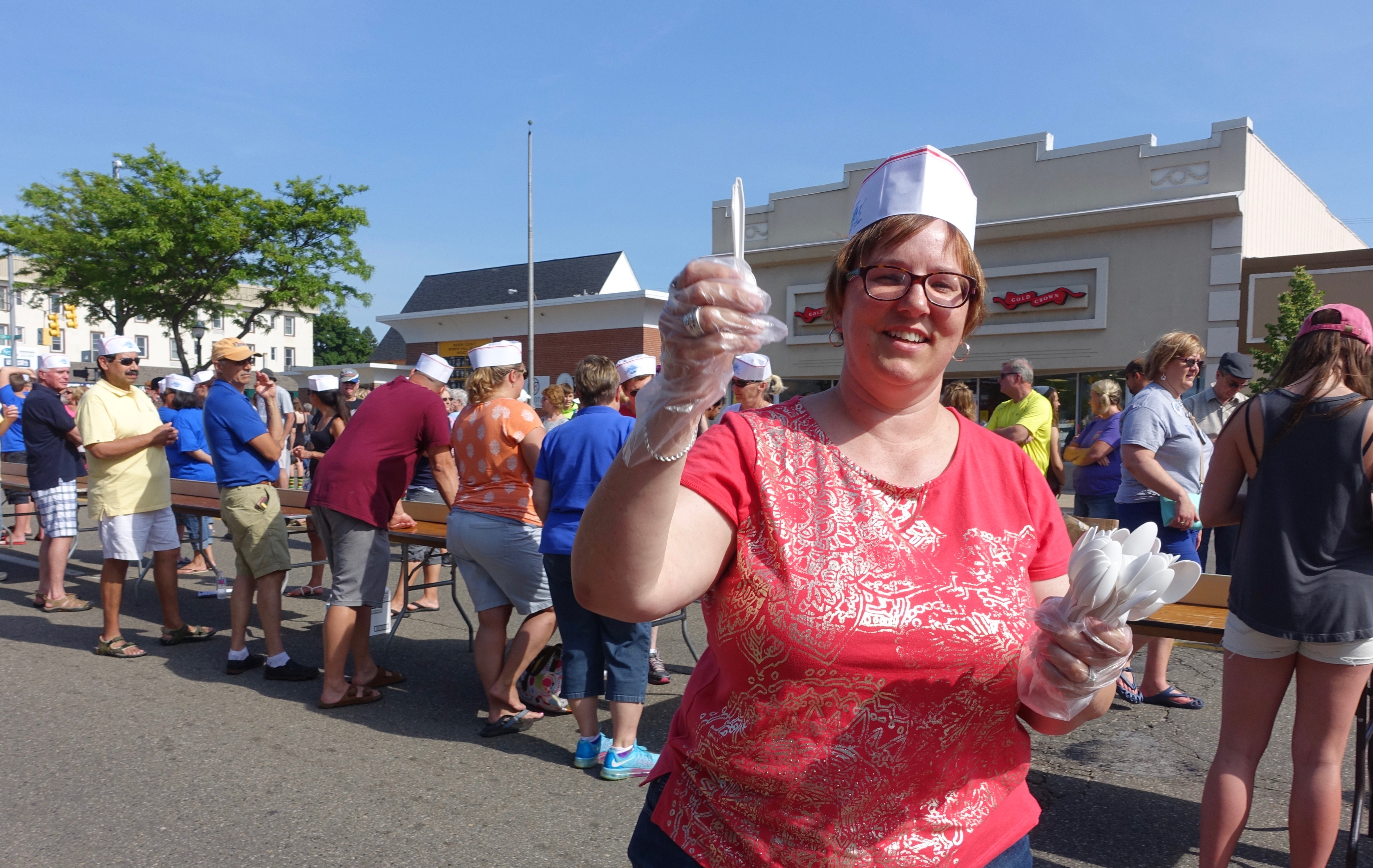 Spoon lady at Ludington's World's Largest Sundae Attempt