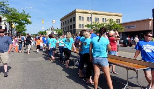 Volunteers at Ludington's World's Largest Sundae Attempt