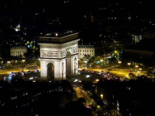arc-de-triomphe-de-letoile-at-night