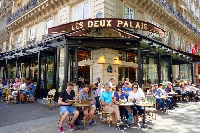 cafe-brasserie-les-deux-palais