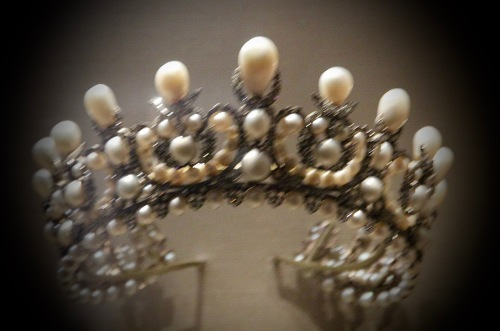 diademe-de-limperatrice-eugenie-louvre-212-pearls-1998-diamonds-paris-1853-louvre