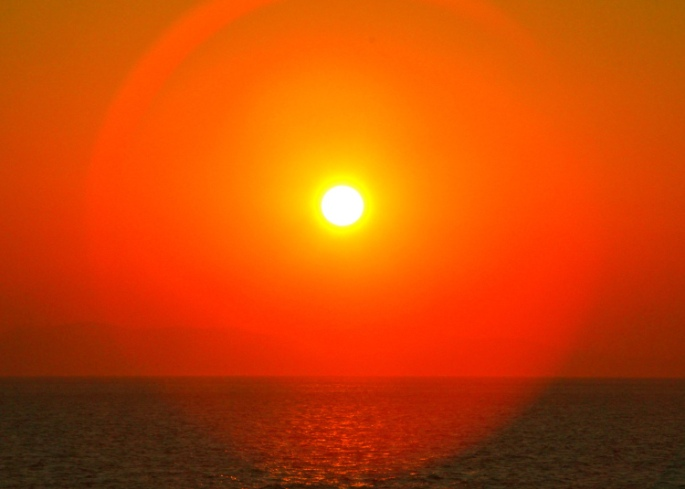 hot-sun-setting-on-mediterranean-sea