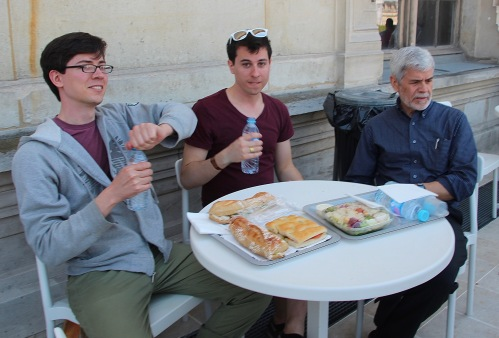 lunch-at-the-louvre-cafe