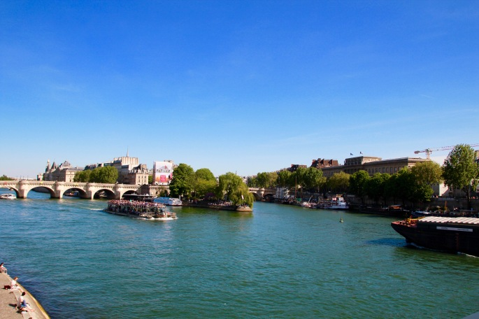 river-seine-on-a-sunny-spring-day