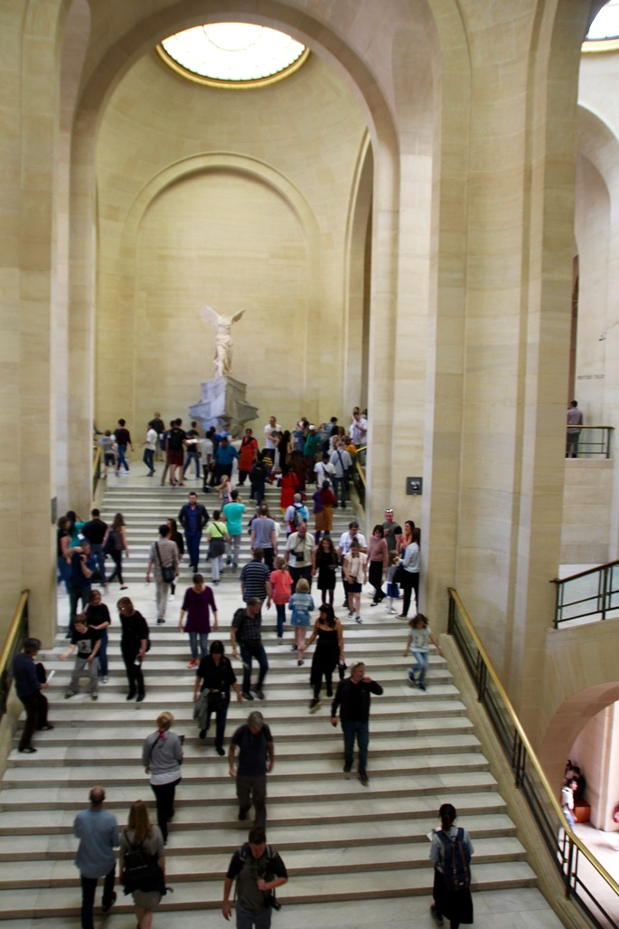 staircase-leading-to-nike-of-samothrace-louvre