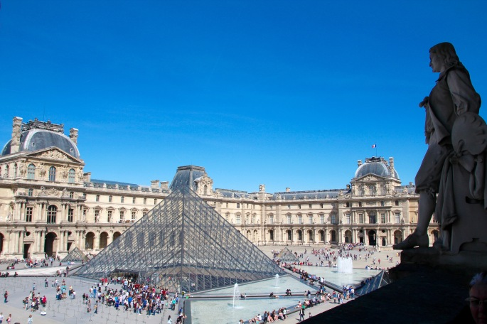 view-from-the-cafeteria-of-the-louvre-courtyard