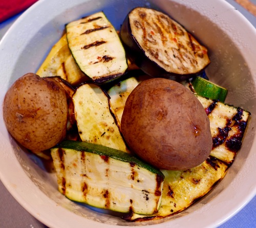 bowl-of-grilled-veggies-and-potoatoes