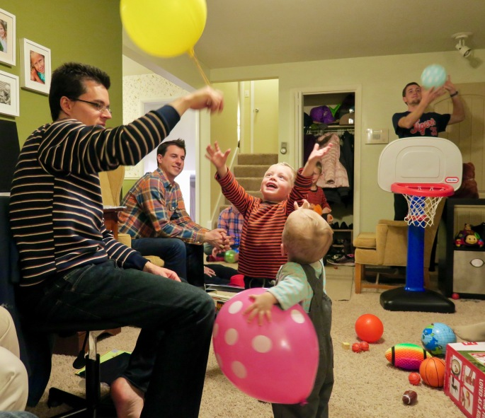 children-playing-with-balloons