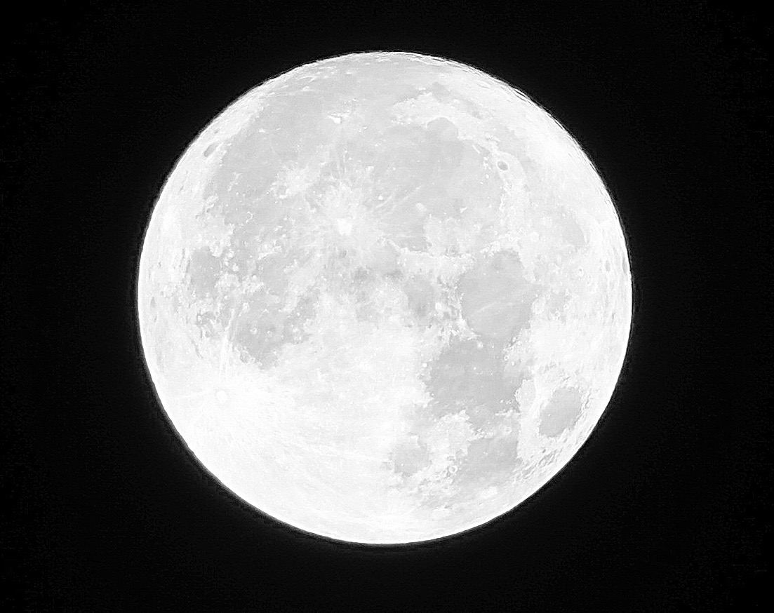 close-up-of-supermoon-11-14-16