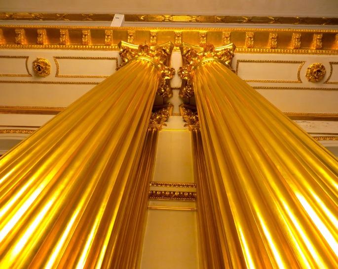golden-pillars